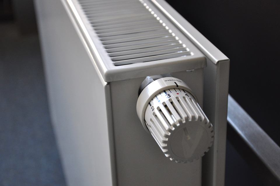 Regolare temperatura termosifoni